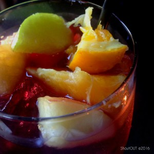 photo red sangria drink